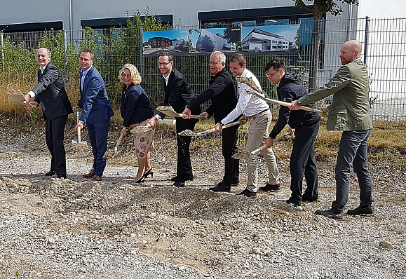 csm_CAPTRON-Spatenstich-C2-groundbreaking-ceremony_c8116b6d98